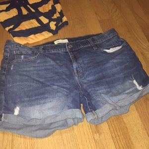 "Gap 5"" Denim Shorts Roll Up"